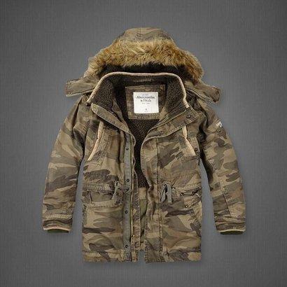 Куртка A&F зимняя с капюшоном woodland